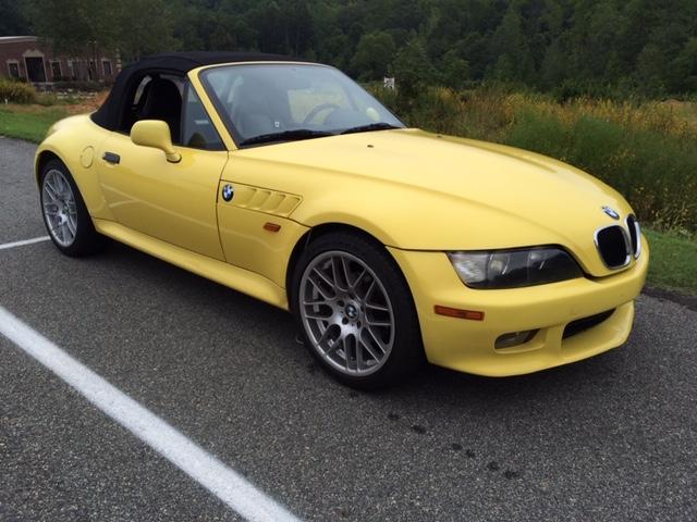 BMW Z3 dakar yellow